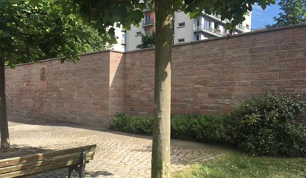 Mauer nach dem Sandstrahlen